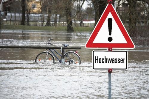 Drei große Hochwasser seit 2000 - vor allem an die beiden Augusthochwasser 2002 und 2010 erinnern sich viele mit Schrecken. 100-prozentige Sicherheit vor Überflutungen gibt es trotz erhöhter Schutzmaßnahmen auch heute nicht. Foto: Fotolia/Thaut Images