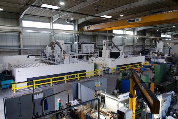 Ein Blick in die Werkhalle der WESOBA in Schwarzenberg. Foto: WESOBA