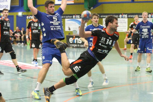 Der Auer Janar Mägi war oftmals nicht zu halten und erzielte gegen Hamm vier Tore. Foto: Stefan Unger