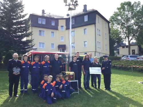 Das 25. Feuerwehrfest in Neuhausen brachte fast alle Einwohner zusammen und FFW-Leute der Umgebung ins Gespräch. Foto: ULB