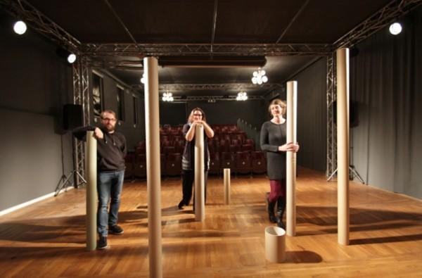 Christian Feister, Heda Bayer und Katja Manz (v.l.n.r.) sind drei der insgesamt sechs Protagonisten, die dem Hinterhaus in der Zietenstraße 32 neues Leben eingehaucht haben. Foto: bit