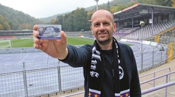 Pierre Ullmann ist bereits stolzer Besitzer eines Schachtausweises. Foto: Olaf Seifert