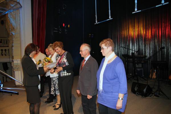 Vor dem Programmwurden Ehrenamtliche ausgezeichnet. Foto: Alice Jagals