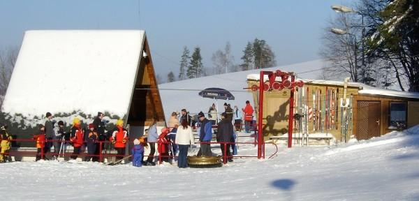Das Skigebiet am Steinberg bei Zschorlau. Foto: www.esv-zschorlau-ski.de