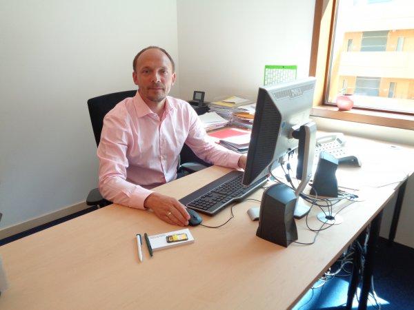 Der Stollberger CDU-Bundestagsabgeordnete Marco Wanderwitz in seinem Berliner Büro. Foto: CDU