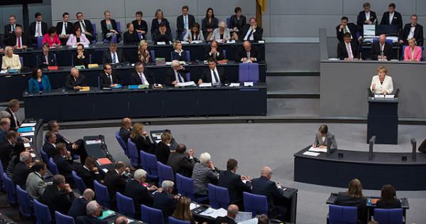 der Deutsche Bundestag heute in 2. und 3. Lesung das Gesetz zur Verbesserung der Hospiz- und Palliativversorgung in Deutschland beschlossen. Foto: Tobias Koch