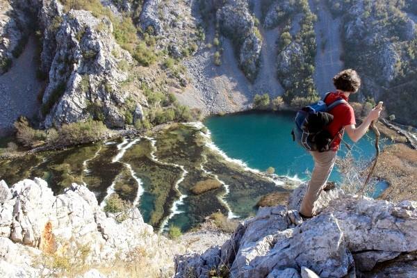Faszinierende Natur kann man auch auf einer Wanderung durch Kroatien erleben. Foto: Sven Oyen