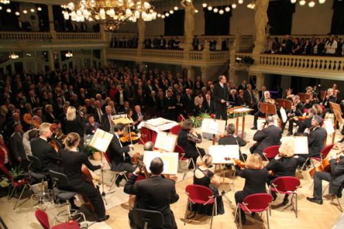 Für musikalische Unterhaltung sorgte das Philharmonische Orchester Plauen-Zwickau. Zum Schluss gab es natürlich wieder den Steigermarsch. Foto: Alice Jagals