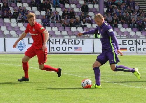 Nicky Adler (rechts) erzielte in der 18. Minute per Kopf die wichtige Führung.
