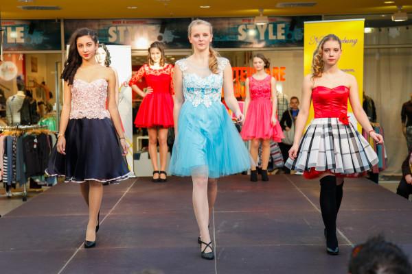 Im Paletti Park kam Jugendweihe-Mode ganz groß raus. Fotos: Daniel Unger