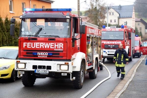 Einsatz der Feuerwehren wegen eines Brandes in Gersdorf. Fotos: Daniel Unger