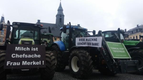 Bauern protestierten auch in Annaberg-Buchholz gegen Dumpingpreise. Foto: Sven Günther