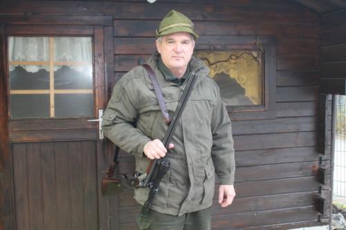 Rolf Bergmann ist als Jäger für eine rund 360 Hektar große Fläche auf Hermsdorfer und Rüsdorfer Gemarkung zuständig. Foto: Uwe Wolf