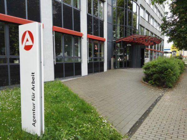 Arbeitsagentur Chemnitz Jobbörse : messer angriff in arbeitsagentur wochenendspiegel ~ Yasmunasinghe.com Haus und Dekorationen