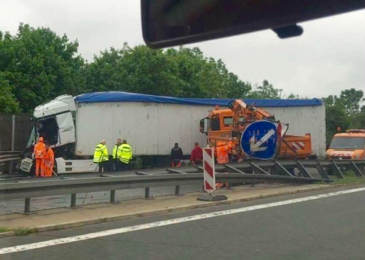 Lkw Unfall A72 Heute