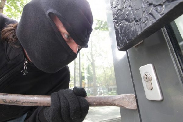 Ob im Urlaub oder nicht, Einfamilienhäuser, die sich am Stadtrand befinden sind immer wieder Ziel von Einbrechern. Foto: bit