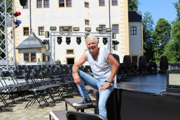 Schlagerstar Matthias Reim im Wasserschloss Klaffenbach. Foto: Nicole Neubert
