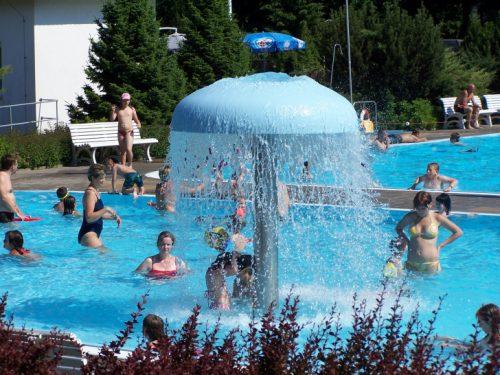 """Natürlich kann zum Badfest auch ganz """"normal"""" gebadet werden. Foto: privat"""