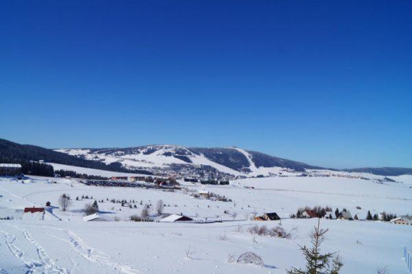 Am Fichtelberg gibt es weiter Streit um die Skiliftbau-Pläne. Foto: TVE