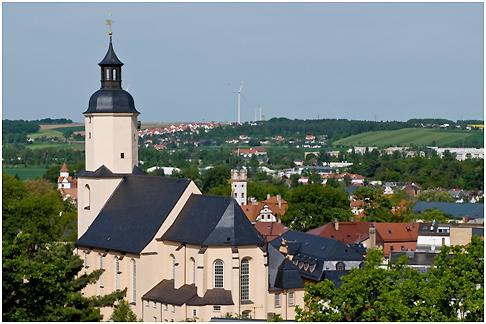 Blick auf die St. Georgenkirche und Glauchau. Dank der Aufnahme ins Förderprogramm kann die Stadtentwicklung weiter voran gebracht werden. Foto: privat