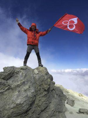 Lutz Heinrich auf dem Gipfel des Damavand. Er war maßgeblich daran beteiligt, dass es den Stoneman im Erzgebirge gibt.