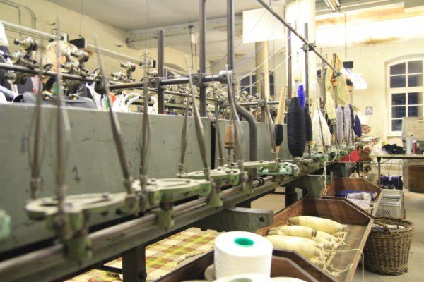 In der Tuchfabrik Gebr. Pfau ist der frühere Textilverarbeitungsprozess von Anfang bis Ende zu sehen. Das hat absoluten Seltenheitswert. Foto: Alice Jagals