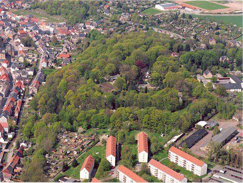 Hainichen mit den Stadtpark aus der Vogelperspektive. Bis 17 Uhr findet ein Arbeitseinsatz im Stadtpark statt. Foto. Stadtverwaltung