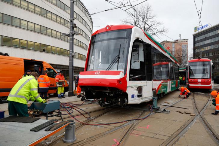 Kollision Zweier City Bahnen 500000 Euro Schaden Wochenendspiegel