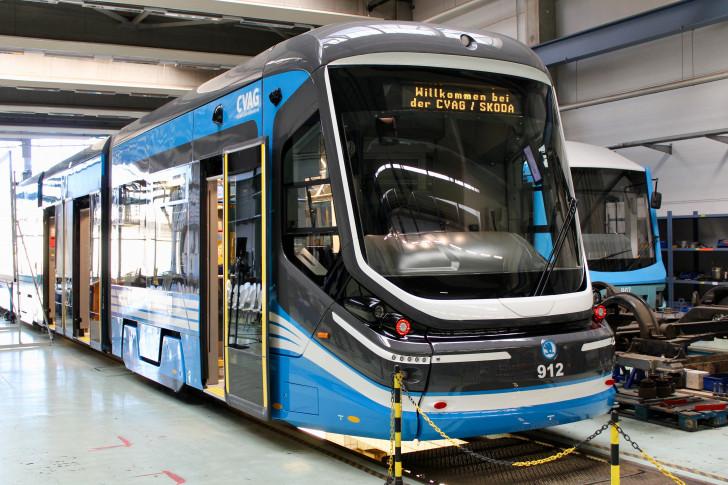 Erste Neue For City Bahn In Chemnitz Präsentiert Wochenendspiegel